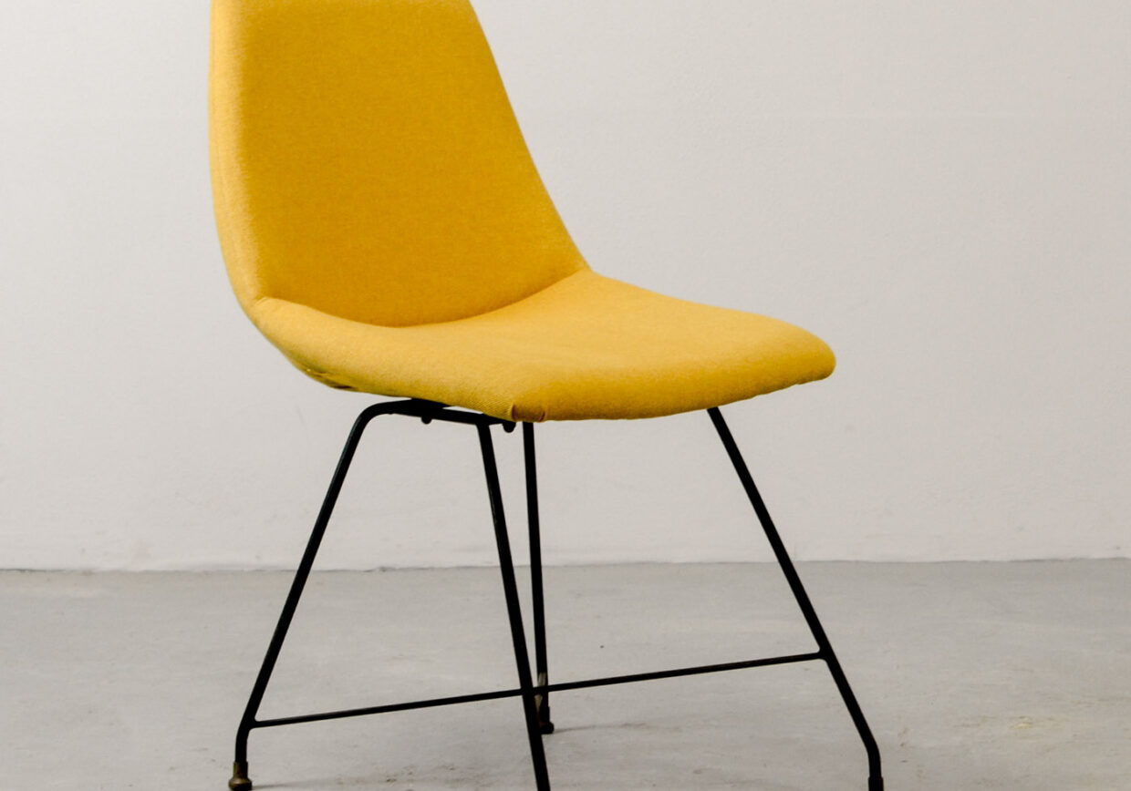 MID-CENTURY ITALIAN DESIGN YELLOW 'ASTER' SIDE CHAIR BY AUGUSTO BOZZI FOR SAPORITI, 1956