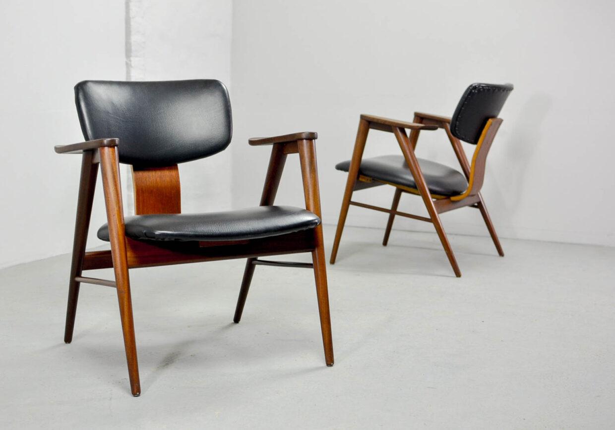 CEES BRAAKMAN FOR PASTOE DUTCH DESIGN ARM CHAIRS, MODEL FT14, SET OF 2. THE NETHERLANDS, 1960S. CH074.