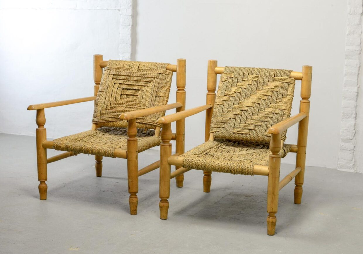 CHARLOTTE PERRIAND STYLE LOUNGE CHAIRS WITH SISAL ROPE AND BEECH WOOD FRAME, SET OF TWO, 1960S.