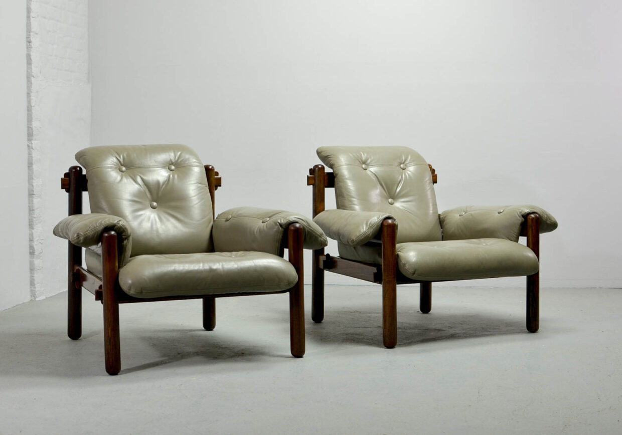 JEAN GILLON FOR WOODART EXQUISITE 3 SEAT SOFA IN LEATHER AND WOOD. BRAZIL, 1960S. REF.: S036