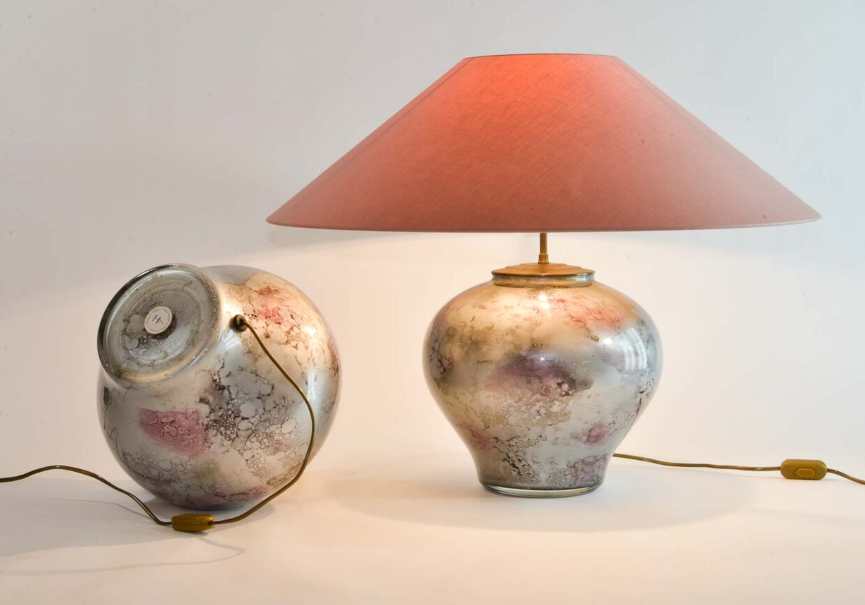 LACQUE LINE HANDMADE CRYSTAL GLASS EXCLUSIVE PURPLE SILVER TABLE LAMPS, SET OF 2. FRANCE, 1970S. REF.: TL005