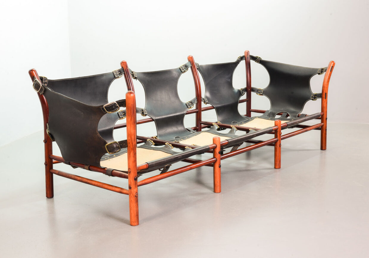 ARNE NORELL 'ILONE' SOFA FOR ARNE NORELL ANEBY MÖBLER IN ROSEWOOD AND FABRIC. DENMARK, 1960S. REF. SS069