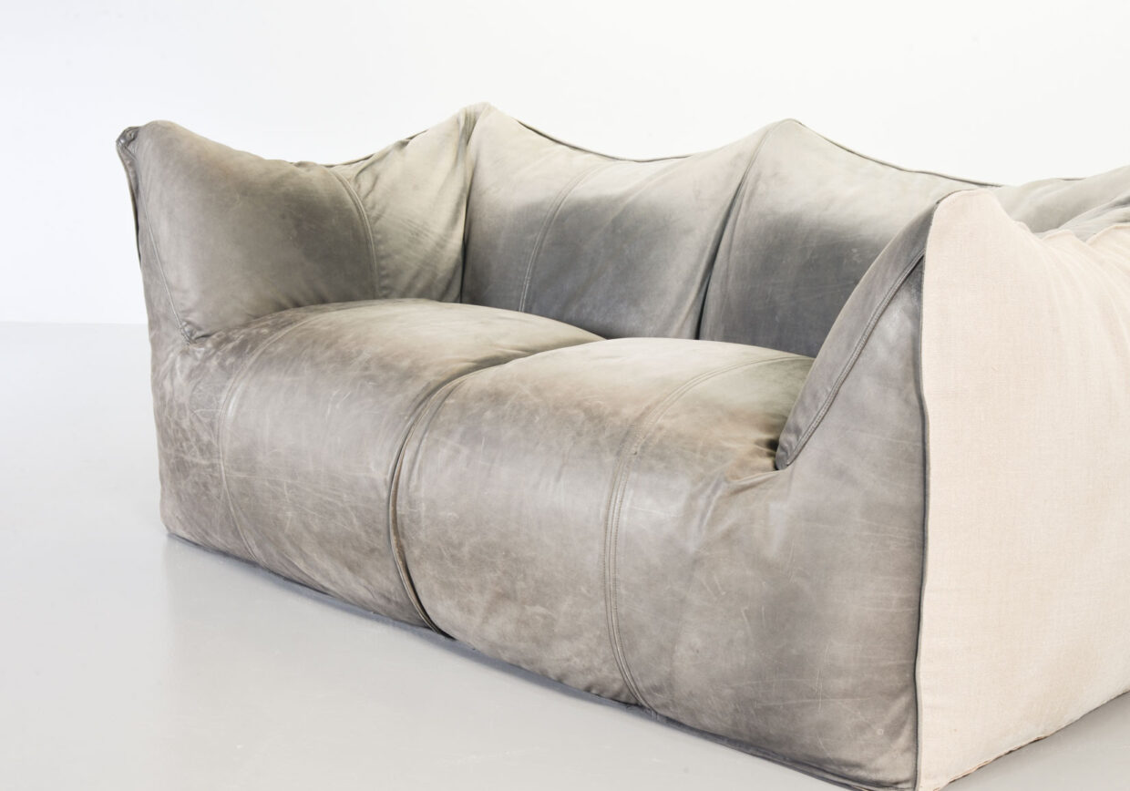 MARIO BELLINI FOR C&B ITALIA TWO SEAT 'LE BAMBOLE' SOFA IN LEATHER AND FABRIC. ITALY, 1970S. Ref.: SS070